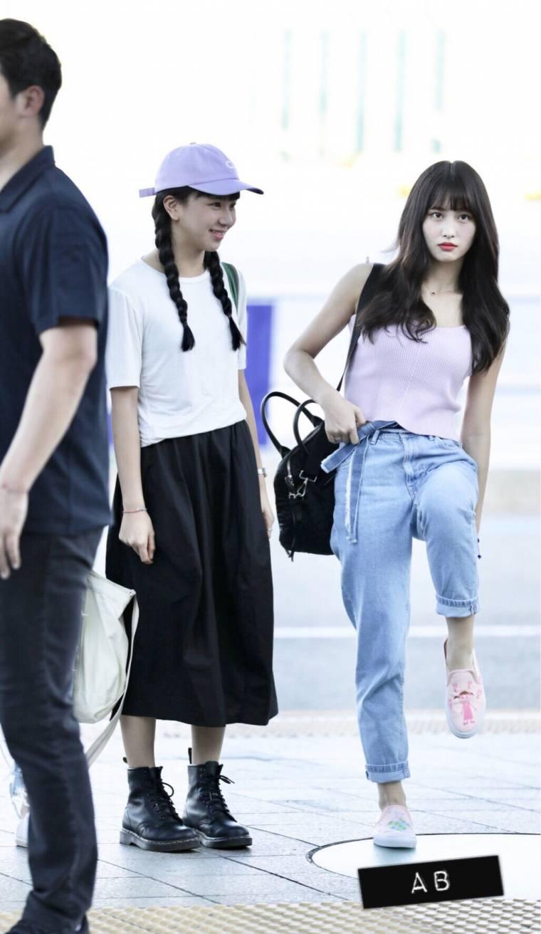 채영이가 그림 그려준 신발 자랑하는 모모